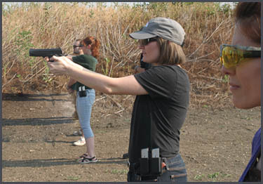 Defensive pistol training for women of Dallas Texas